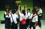 Para siswa selesai unas